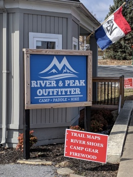 River Peak and Otter Outfitter